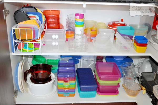 organising kitchen cupboards tupperware 2