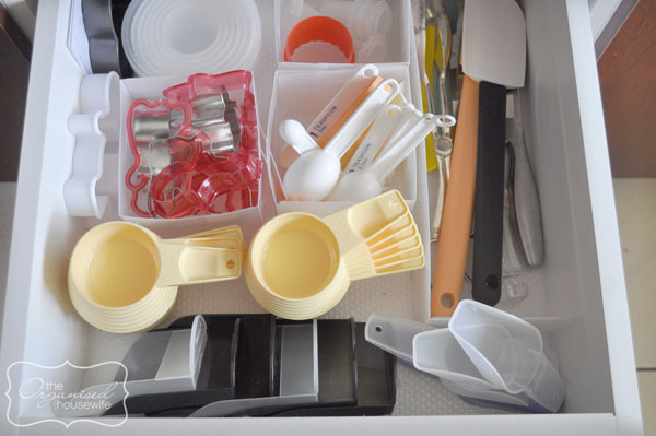 organising kitchen drawers 3