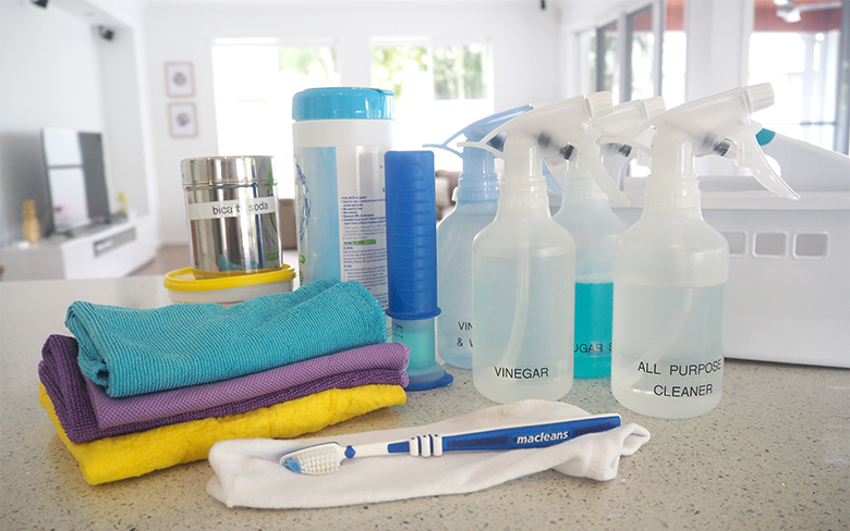 The-Organised-Housewife-Cleaning-Kit-1