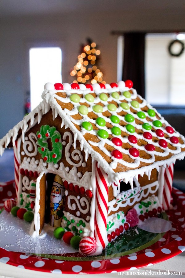 Lovely Gingerbread House Design Ideas