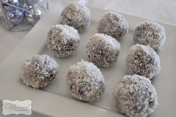 Christmas Rum Balls – The Organised Housewife