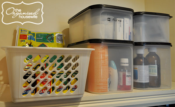 {The Organised Housewife} 20 Days to Organise and Clean your Home - Medicine Cabinet 1