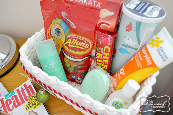{The Organised Housewife} Guest Basket 3