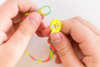 school holiday craft - make friendship bracelets