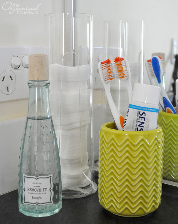 {The Organised Housewife} Chevron Toothbrush holder