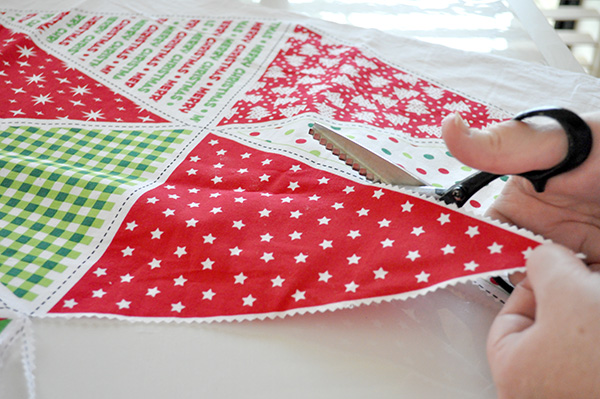 {The Organised Housewife} Christmas Bunting 2