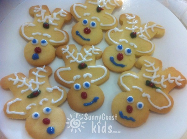 {The Organised Housewife} How to make gingerbread reindeer 11