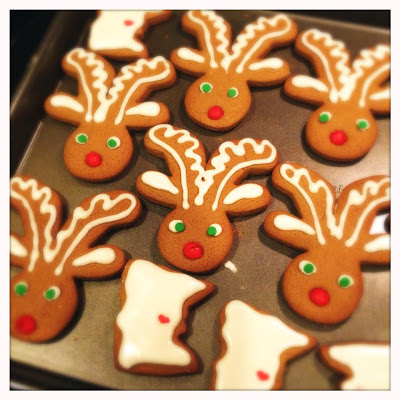 {The Organised Housewife} How to make gingerbread reindeer 6