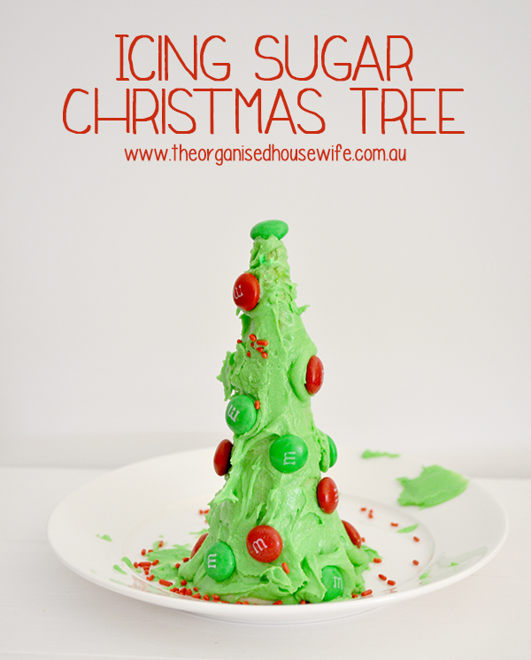 {The Organised Housewife} Icing Sugar Christams Tree