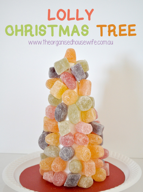 {The Organised Housewife} Lolly Christmas Tree