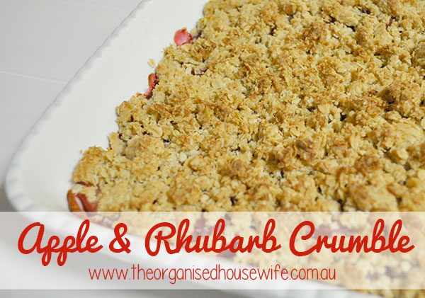 {The-Organised-Housewife}-Apple-Rhubarb-Crumble