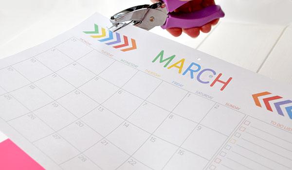 {The-Organsied-Housewife}-Free-Wall-Calendar-Printable-6