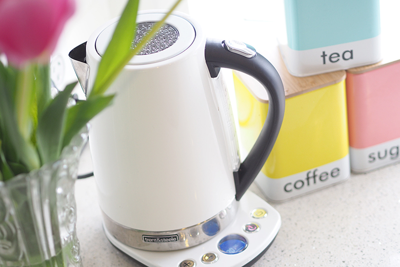 how-to-clean-a-kettle-1