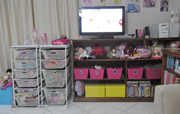 {The-Organised-Housewife}-Toy-Room-Organisation---makeover-31