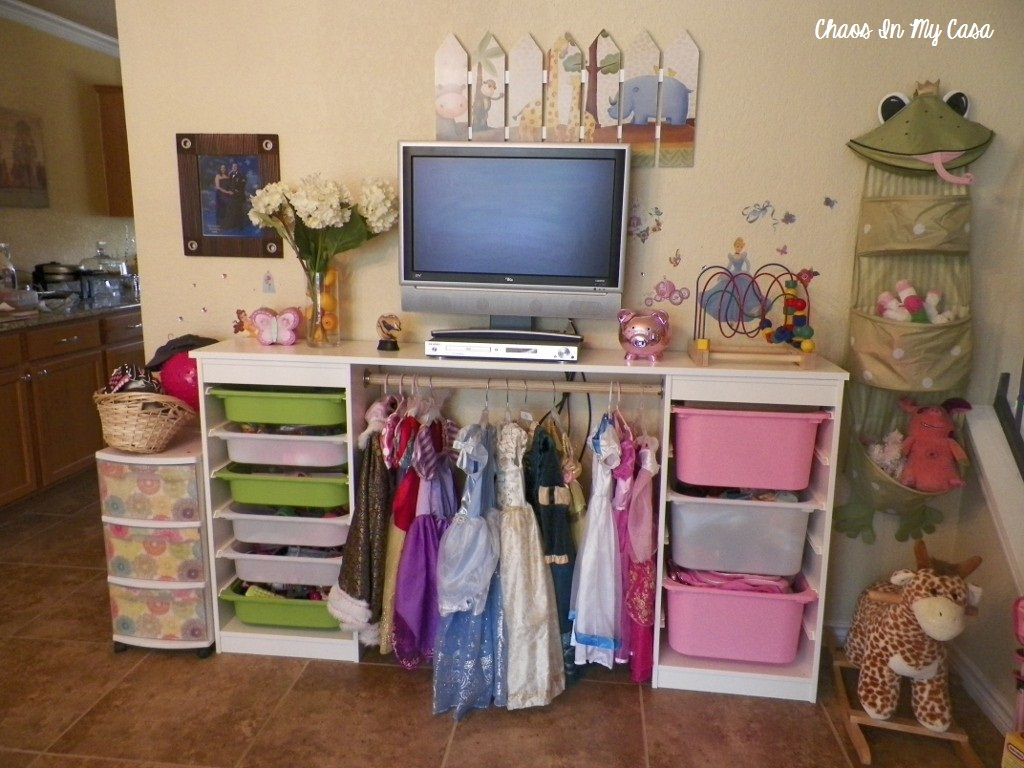 toy room organisation inspiration the organised housewife. Black Bedroom Furniture Sets. Home Design Ideas