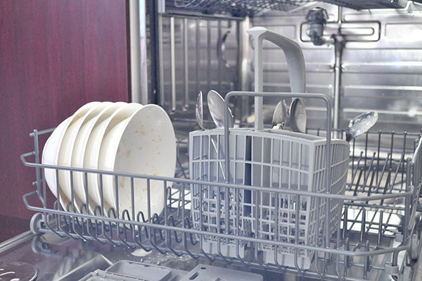 {The-Organised-Housewife}-The-Organised-Housewife-Guide-to-doing-the-dishes-2