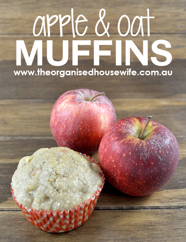 {The Organised Housewife} Apple and Oat Muffins