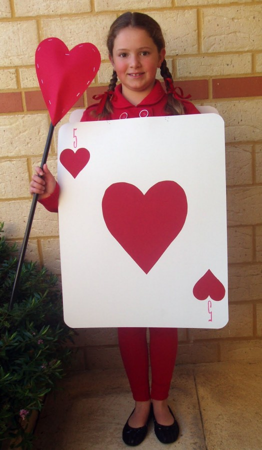 Book week costume ideas the organised housewife for Alice in wonderland card soldiers template