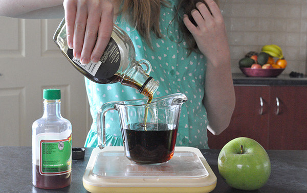 {The Organised Housewife} Kids in the Kitchen - Healthy Apple Cake 6