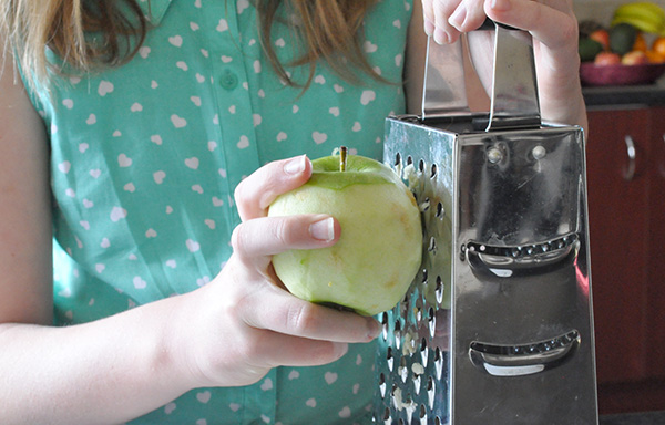 {The Organised Housewife} Kids in the Kitchen - Healthy Apple Cake 8
