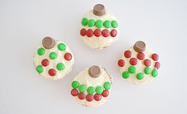 {The Organised Housewife} Christmas Bauble Cupcakes 1