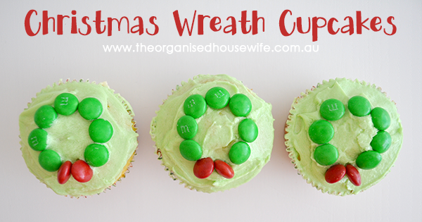 {The Organised Housewife} Christmas Wreath Cupcakes