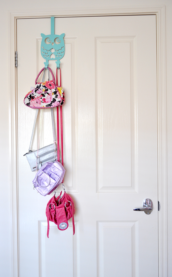 {The Organised Housewife} Girls Bedroom Makeover back door storage 2
