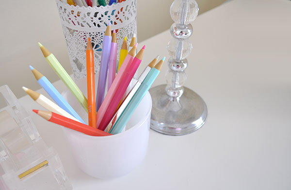 {The-Organised-Housewife}-Ideas-to-Repurpose-a-Candle-Jar-8