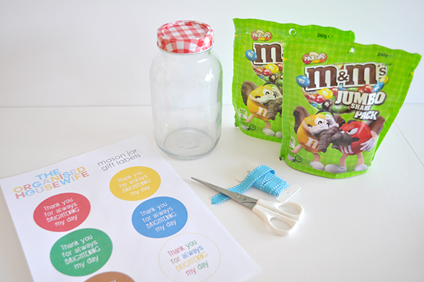 {The Organised Housewife} Teacher Appreciation Gift - Bright day m&m jars 1