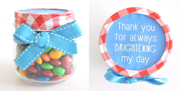 {The Organised Housewife} Teacher Appreciation Gift - Bright day m&m jars 3