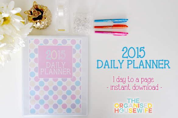 {The Organised Housewife} 2015 Daily Planner - Cover of Folder