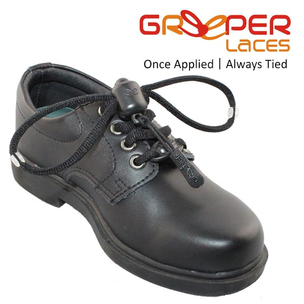 Greeper black shoe with logo