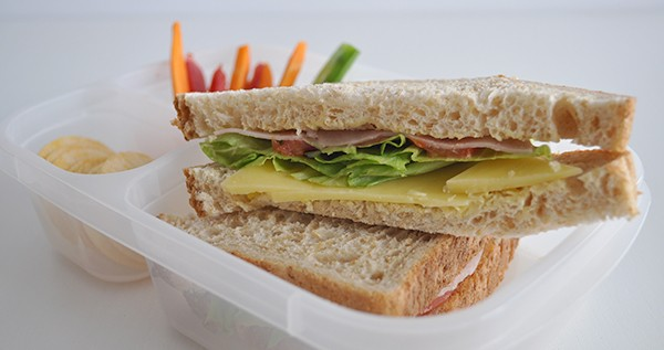 How to make a sandwich not go soggy tomato