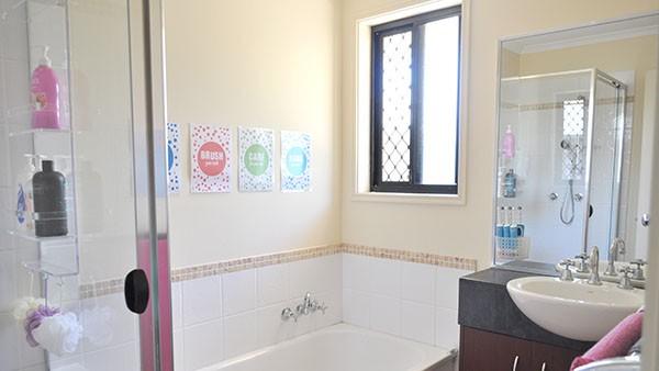 Kids Bathroom 3