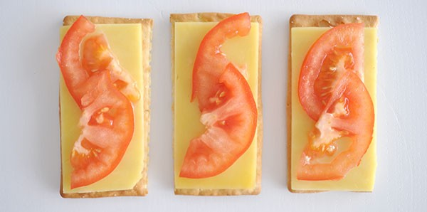 Healthy-after-School-Snack-Idea---Cheese-and-Tomato-Cracker
