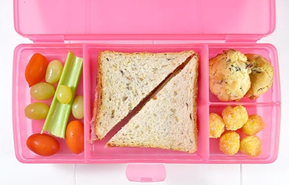 Lunchbox-Idea-with-healthy-Apricot-Balls