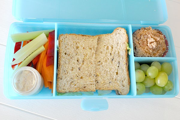 Lunchbox-Idea---Salad-sticks-and-hommus