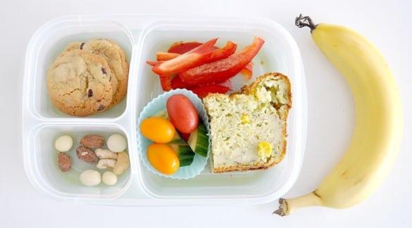 lunch-box-with-Cheesy-zuchhini-ham-bread