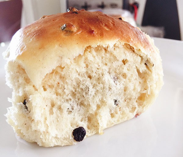 Homemade-Hot-Cross-Buns-3