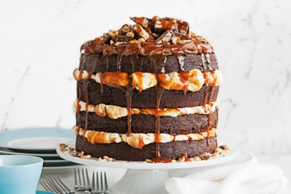 snickers caramel layer cake
