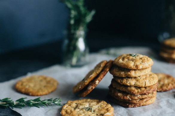 Rosemary-ANZAC-Biscuits-erinmadethis-16