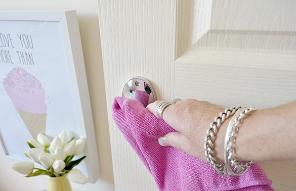 how-to-clean-door-handles