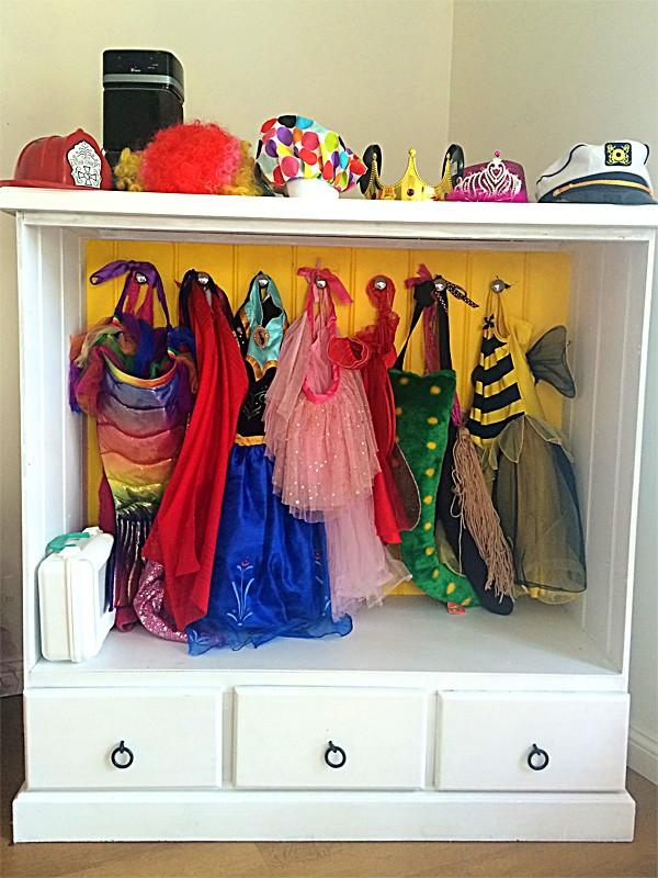 diy dress up wardrobe from a dresser. Black Bedroom Furniture Sets. Home Design Ideas