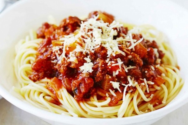 Pork and beef ragu with spaghetti – This traditional pork and beef ...