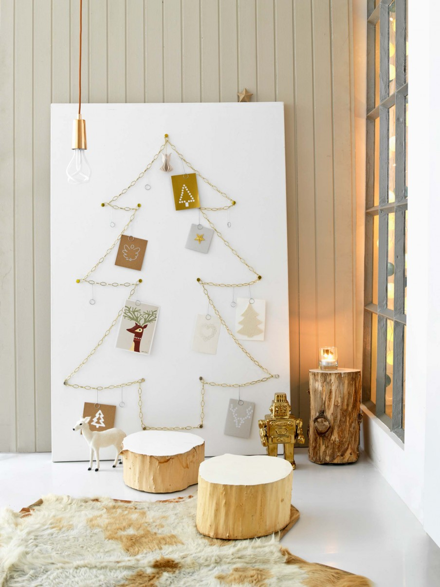 18+ Christmas Card Display Ideas - The Organised Housewife