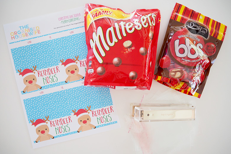 how-to-make-christmas-bag-toppers-1