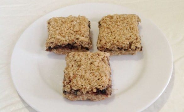 Raspberry-and-Oat-Slice