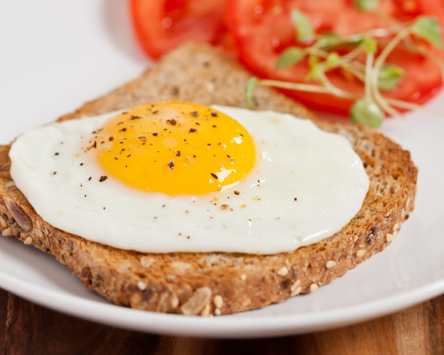 Easy dinner idea eggs on toast for busy families