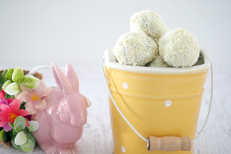 Deliciously fun Coconut Bunny Tails, perfect for Easter gatherings or gift giving.