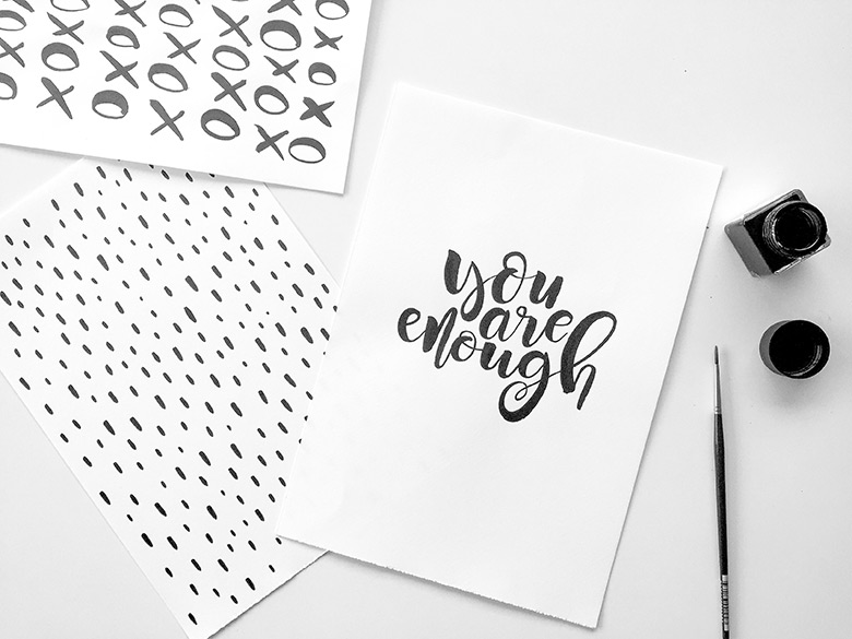 Have you always wanted to learn how to do freestyle calligraphy? My friend Liss has created an online course with video lessons to teach you how to do it too! It doesn't matter whether you're a beginner or a total lettering-lover already, join in on this incredible journey of learning!